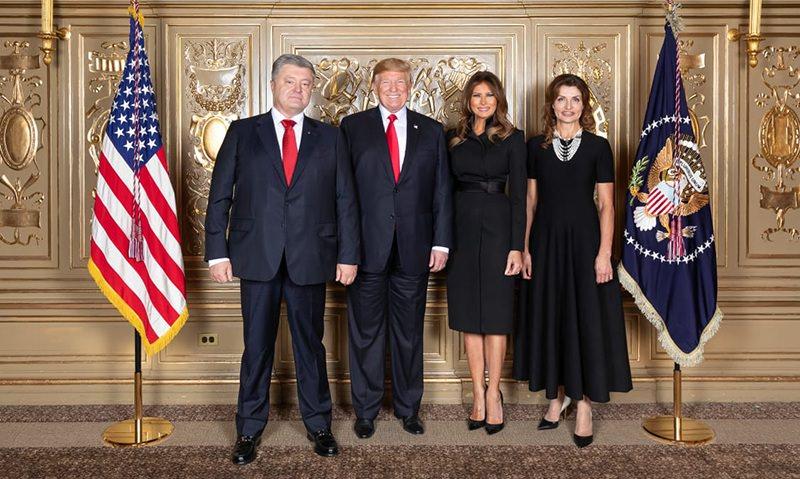 Трамп и Порошенко в одинаковых костюмах рассмешили Сеть