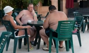 Голый живот и пьянство: рейтинг самых раздражающих привычек российских туристов