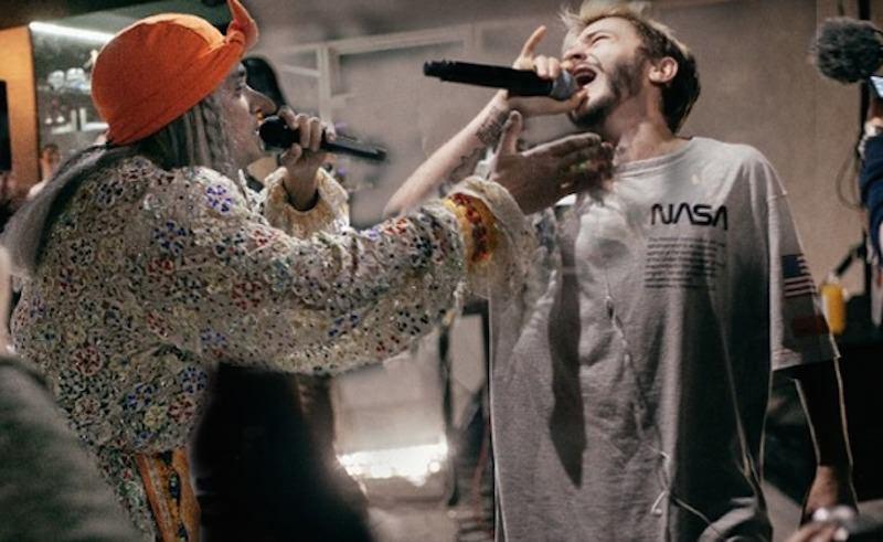 Баба Яга на рэп-баттле с видеоблогером Джараховым прочитала рэп со словами «Баба с бородой»