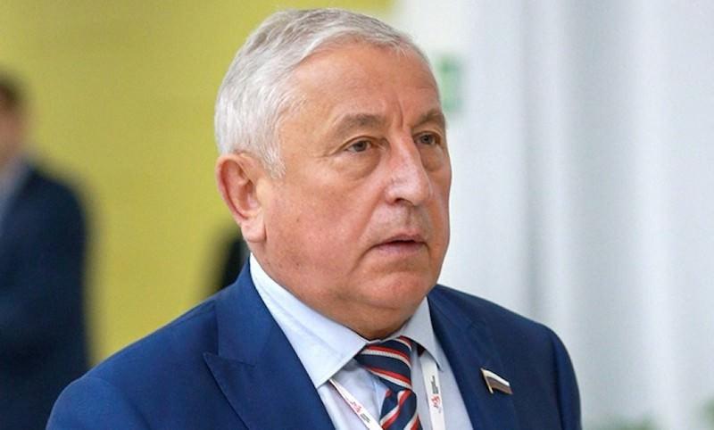"""""""Я не стыжусь большой зарплаты"""" - честное признание депутата Госдумы"""