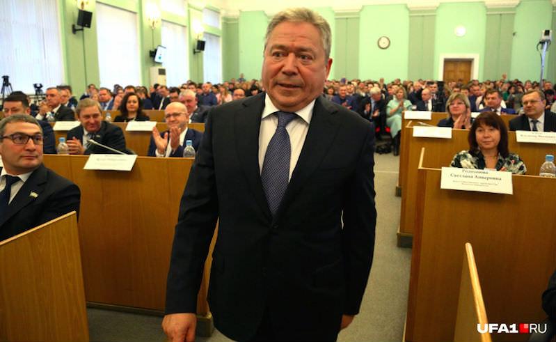 Новый мэр Уфы послал чиновников в баню