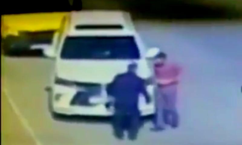 Начальник ГИБДД Буйнакского района избил водителя