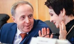 Минус 400 тыс рублей: тюменских депутатов лишают
