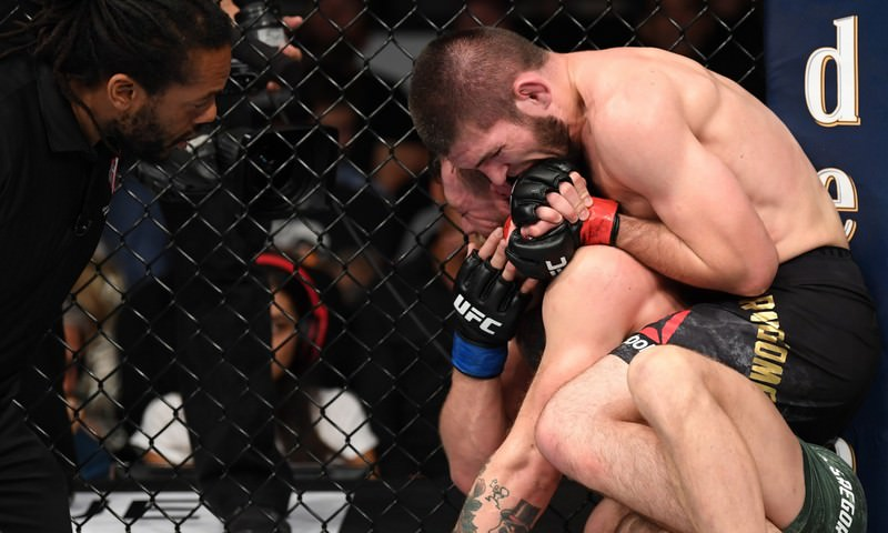 Хабиб Нурмагомедов победил Конора Макгрегора и защитил титул чемпиона UFC