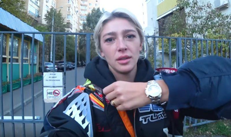 Элджей подарил Ивлеевой часы Rolex за 328 тысяч