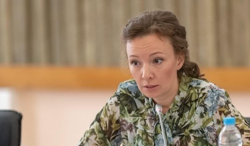 Кузнецова потребовала запретить онлайн-продажу детских товаров из Китая