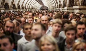 Только 10% россиян оценили свое положение в обществе выше среднего