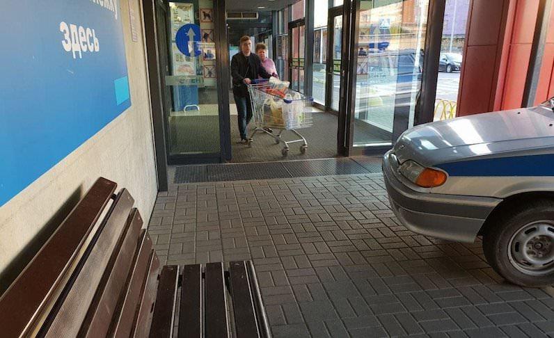 Полицейские на шоппинге