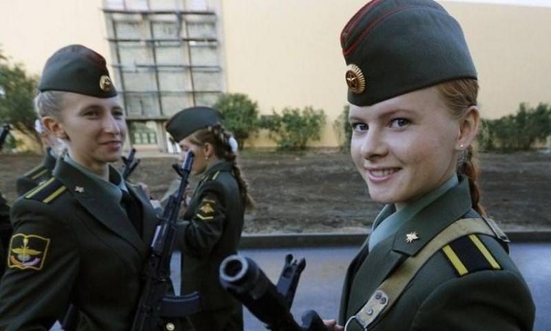 Российская армия отказывается от пилоток и шапок-ушанок