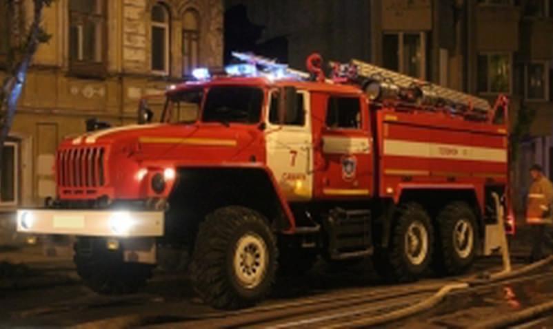 33 пожарных тушили пивной ларек в Самаре