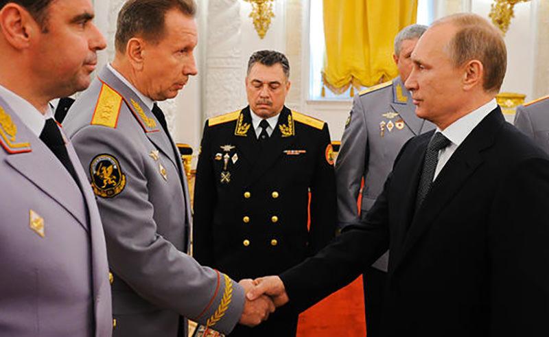 Путин поручил серьёзно усилить контроль за оборотом оружия