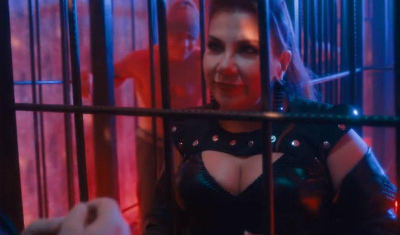 Марина Федункив снялась в роли «госпожи» в клипе «Руки Вверх»