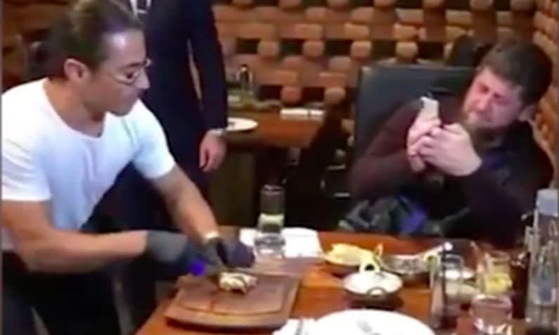 Всемирно известный повар не побоялся показать Кадырову нож