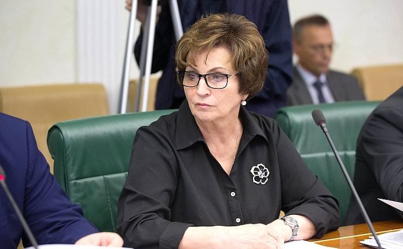 Сенатор призвала недовольных прожиточным минимумом вспомнить об ужасах войны