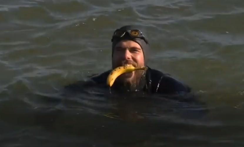 Спортсмен проплыл вокруг Британии за 155 дней
