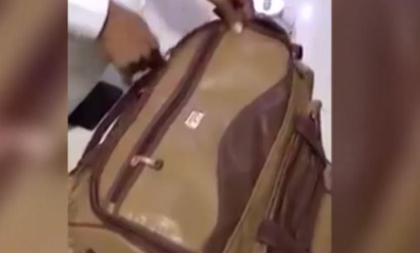 Сотрудники аэропорта Дубая нашли в багаже младенца — Блокнот
