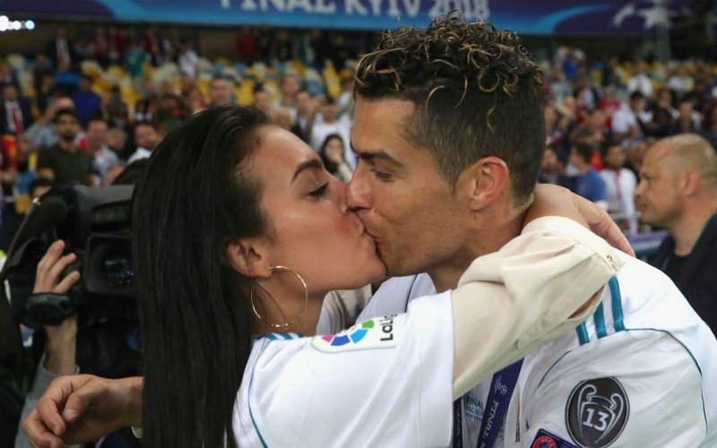 Роналду сделал предложение своей девушке