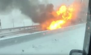 Взорвавшаяся легковушка под Ростовом едва не поджарила очевидцев