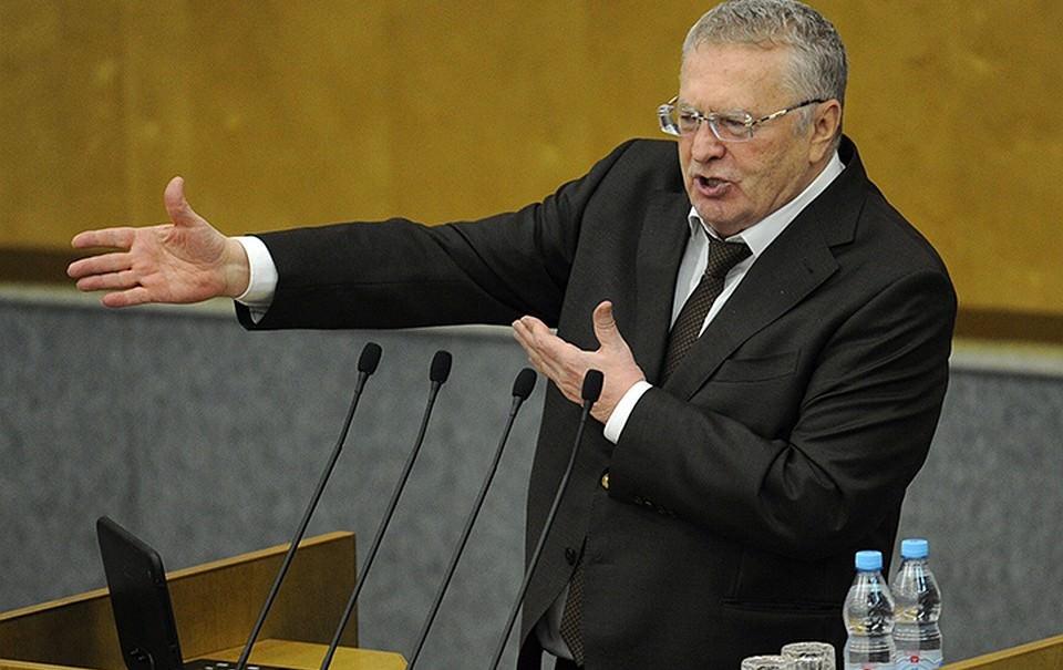Депутаты Госдумы жалуются на нехватку служебных машин