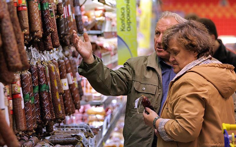 Правительство вводит налог на колбасу и сосиски ради здорового питания