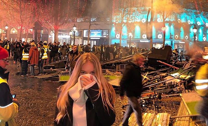 Дочь Пескова участвует в протестах против повышения цен на бензин во Франции