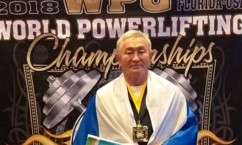 71-летний житель Якутии победил на ЧМ по пауэрлифтингу в США