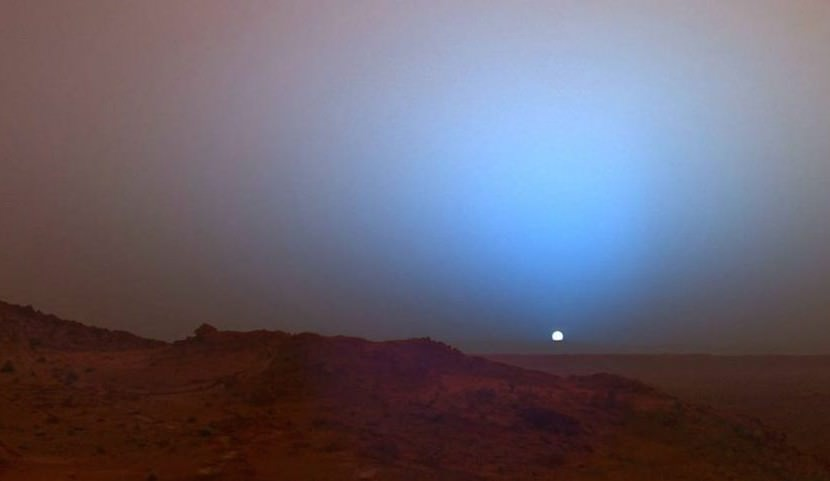 Ученые записали звук рассвета на Марсе