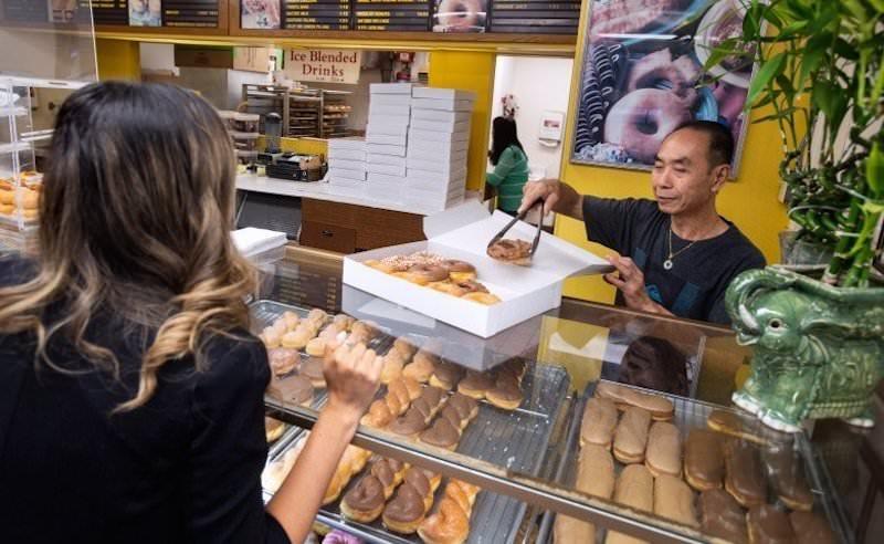 За жену кулинара: ради доброго дела покупатели сметают с прилавков булки