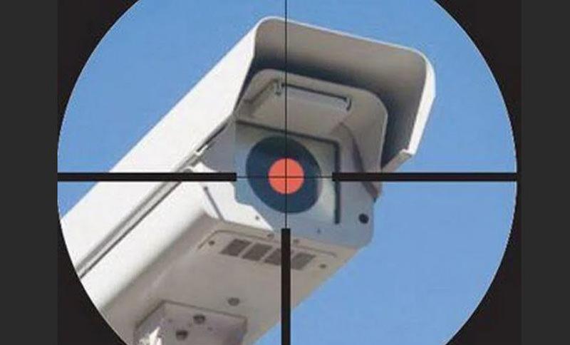 В России начали массово обстреливать камеры фиксации нарушений ПДД