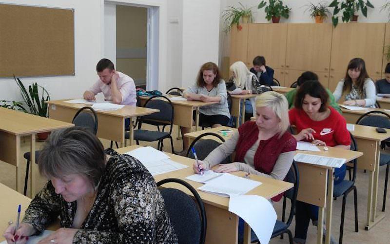 Больше половины российских учителей провалили тест по математике