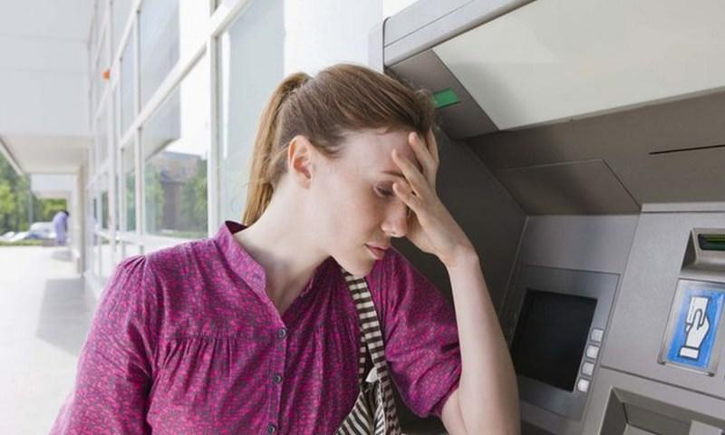 Банки грозят блокировкой счетов за «необоснованные» переводы в пределах тысячи рублей