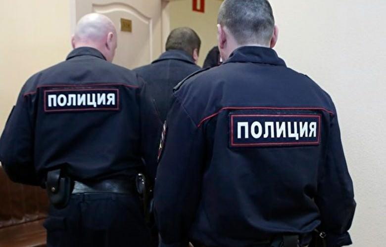 В МВД предложили разрешить полицейским вскрывать машины и проникать в жилье - Блокнот