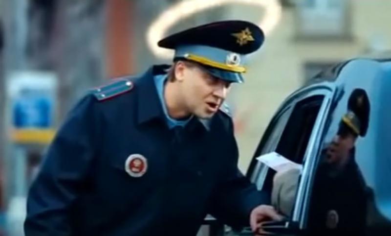 Инспектор ДПС отказался от взятки в 148 000 рублей в Новосибирске
