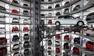 Чиновника Ространснадзора уволили из-за 66 автомобилей жены