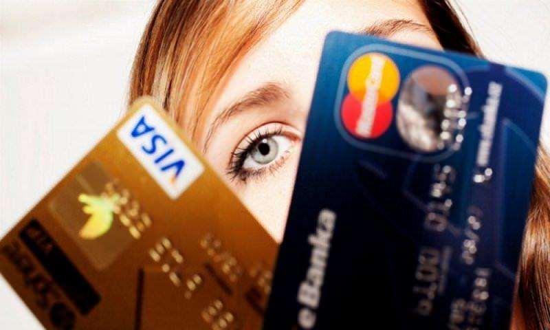 ЦБ начал подготовку к отключению банков от Visa и Mastercard из-за санкций