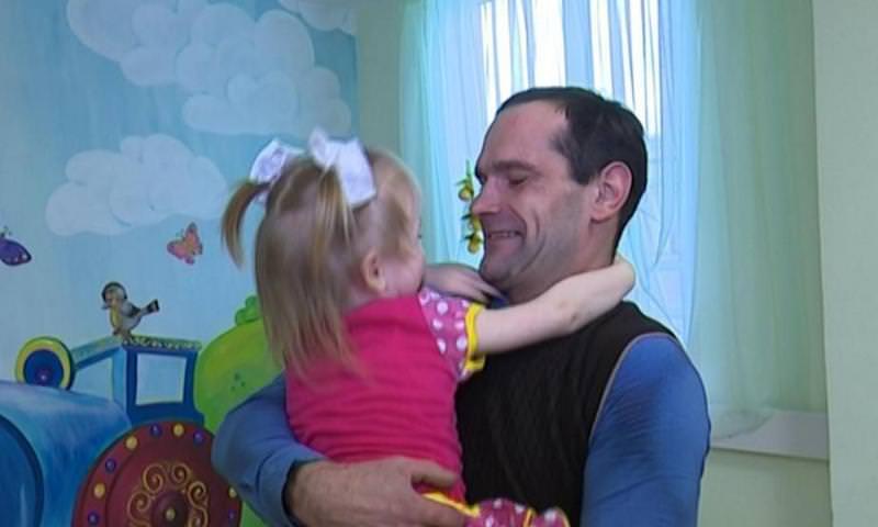 Бывший детдомовец устроился на работу в детдом, чтобы быть поближе к дочери