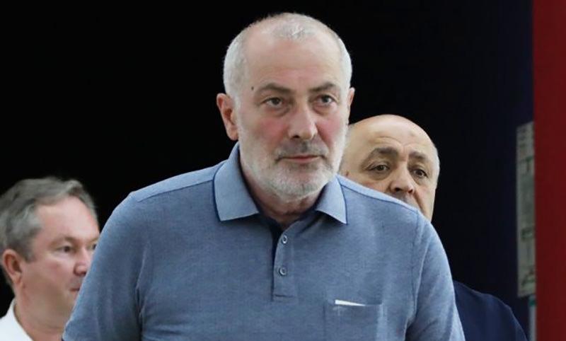 Потерявший семью убийца авиадиспетчера, Виталий Калоев, стал отцом двойни