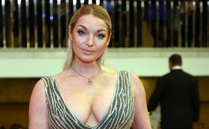Волочкова заявила, что ей угрожает расправой «олигарх из трущоб»