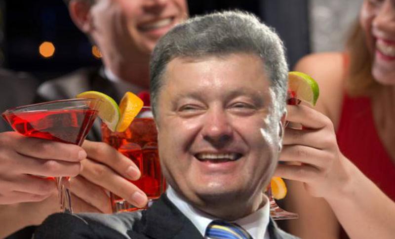 """""""Пир во время чумы"""": Порошенко пристыдили за отдых в элитном ресторане"""