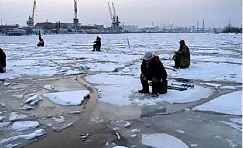 Любителям рыбалки на льду посвящается...