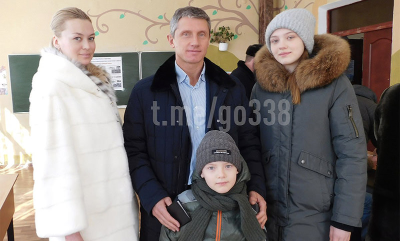 Отнявший турпутевки в Турцию у детей-инвалидов мэр Клинцов зарабатывает 180 т.р. в день