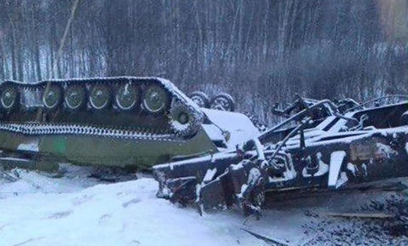 Поезд с танками сошел с рельсов в Омской области