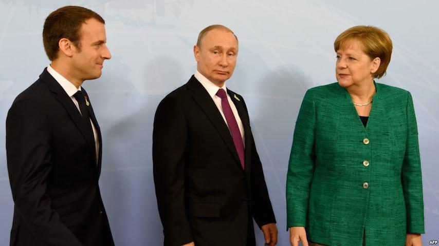 Меркель с Макроном нагло потребовали от Путина отпустить украинских моряков