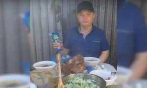 Появились новые фото шикующего в тюрьме Цеповяза