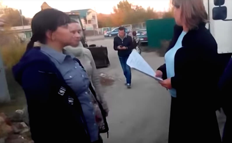 Женщина отказалась оплачивать свет и газ посредникам и началось