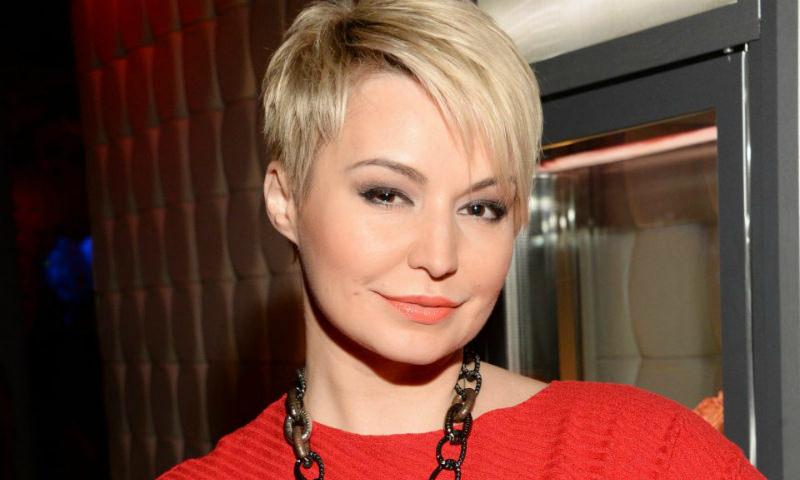 «У меня просто исчезли зубы»: Катя Лель рассказала о встрече с инопланетянами