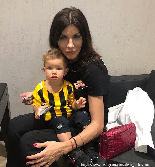 Алиса Аршавина: «Меня и дочки как будто не было в его жизни!»
