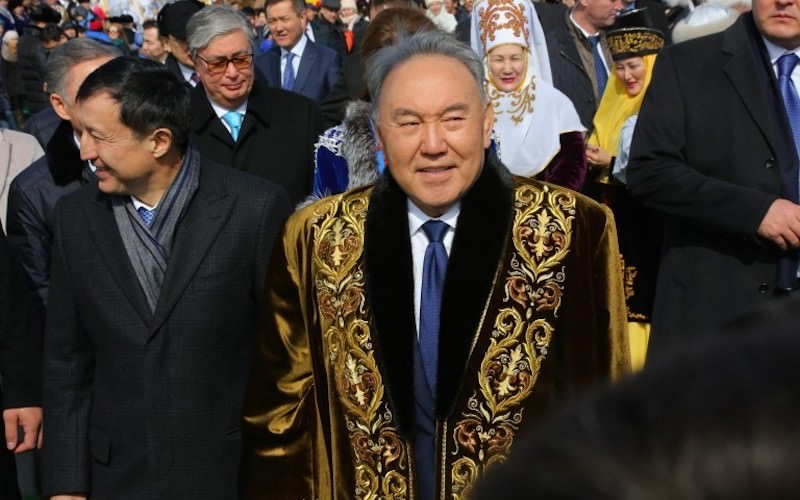 Экс-президент Назарбаев снял клип и самого себя