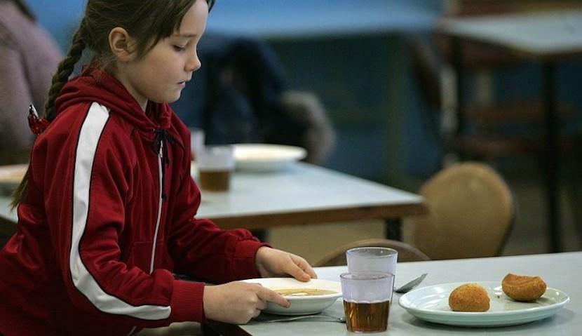 Денег нет: школьники в Кузбассе падают в голодные обмороки