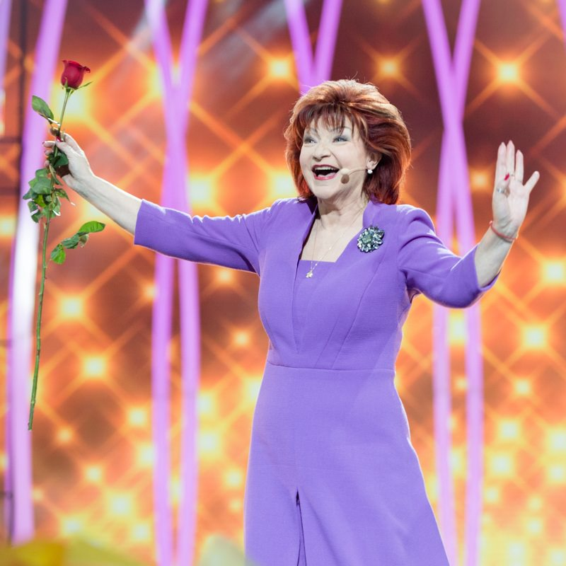 65-летняя Елена Степаненко решилась на пластику после развода